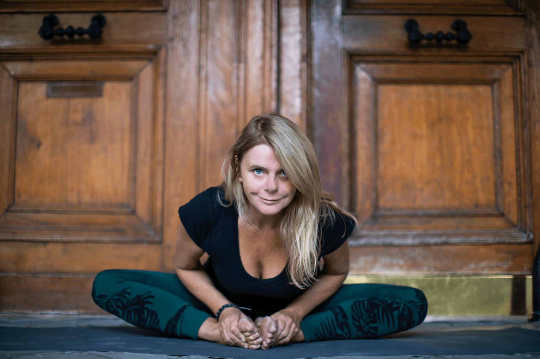 vinyasa yoga caroline b